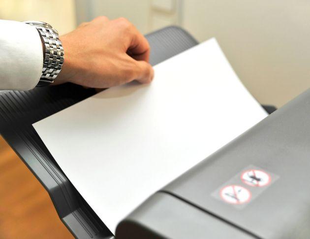 いまだにファックスでの対応が必要という場合も……