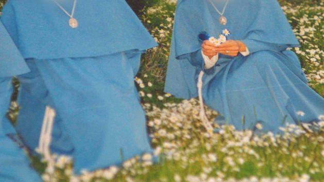 Una foto de las Hermanas Menores de María