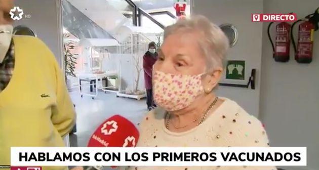 María, la primera mujer en ser vacunada de coronavirus en