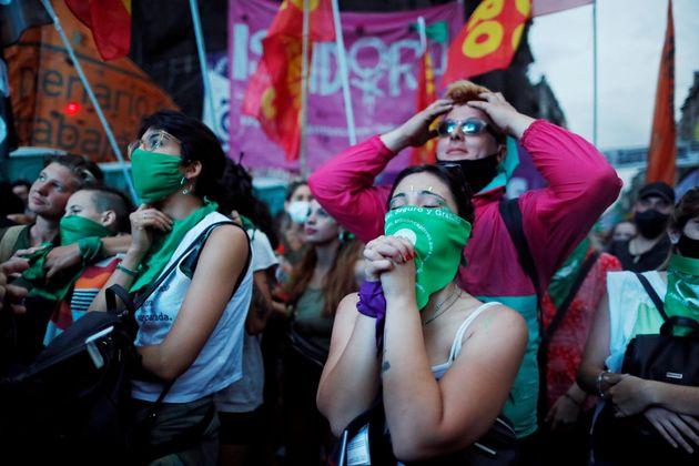Manifestantes argentinas a favor del