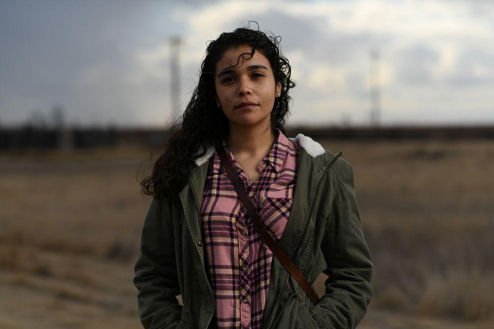 발레리아 무르기아, 21세. 대학생. 맥팔랜드, 캘리포니아주, 미국. 2020년