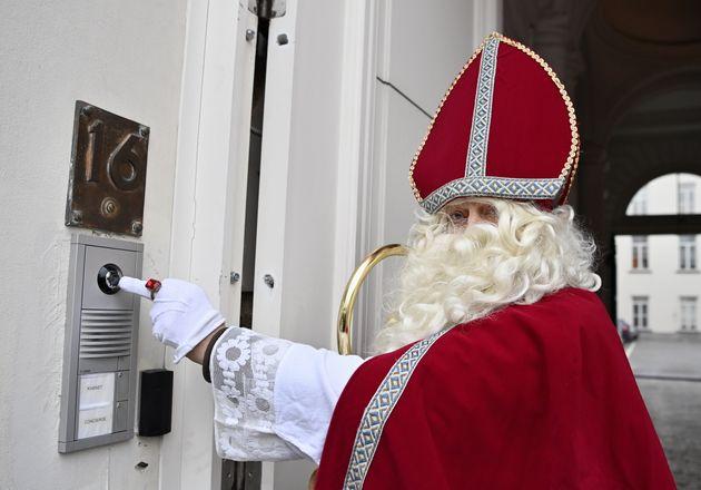 Un Sinterklaas o San Nicolás, en una imagen de