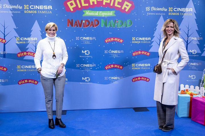 Susanna Griso y Mar&iacute;a Zurita hace unos d&iacute;as en el estreno del espect&aacute;culo <i>Navidad, Navidad</i> del grupo infantil Pica-Pica.