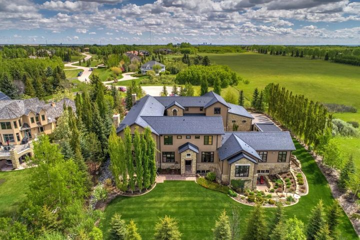 Le manoir de 8,5 millions de dollars mis aux enchères à Calgary.