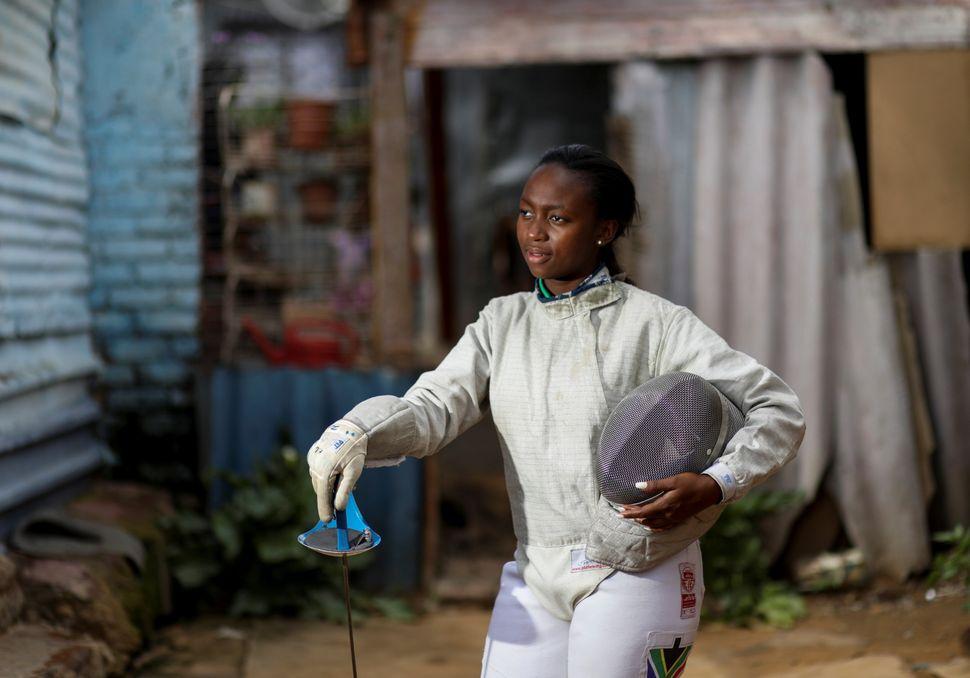 놈불라 음바타, 23세. 남아프리카공화국 여자 사브르 1위. 소웨토, 남아프리카공화국. 2020년