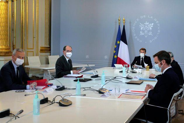 Jeudi, Emmanuel Macron s'exprimera publiquement pour adresser ses vœux aux Français, sans...