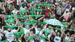 Día histórico en Argentina: el Senado legaliza el aborto voluntario hasta la semana 14 de