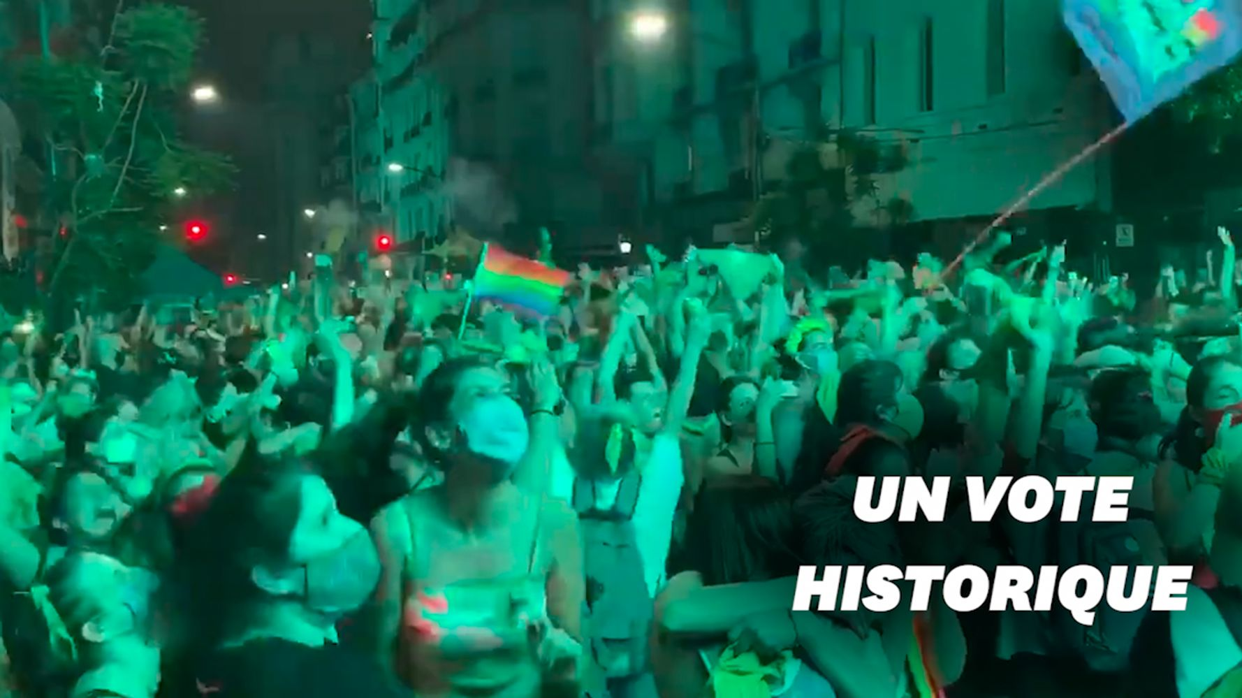 L'Argentine légalise l'avortement, la foule en liesse à Buenos Aires