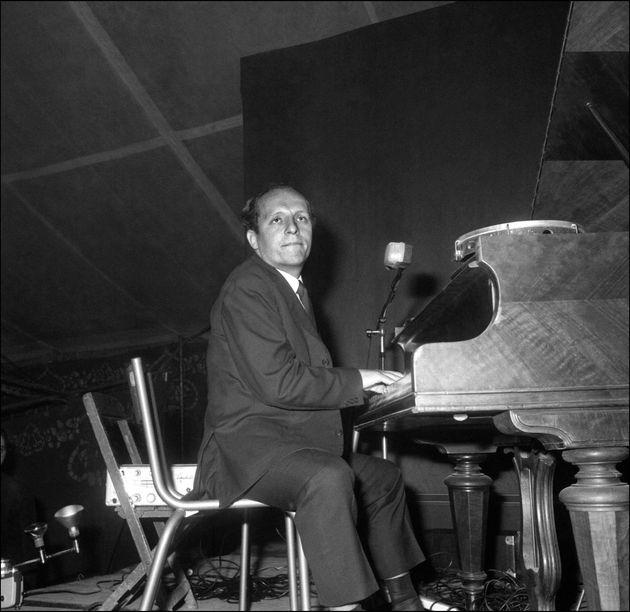 Le pianiste et compositeur Claude Bolling se produit en concert à Alfortville, à côté de Paris, en