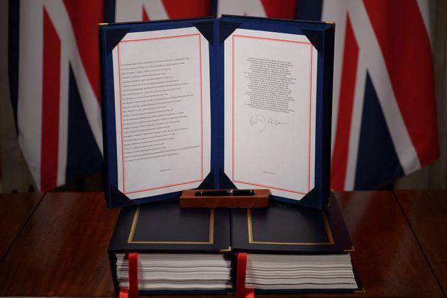 Brexit: Τι προβλέπει η συμφωνία Ε.Ε-Ηνωμένου Βασιλείου που τίθεται σε ισχύ από τα