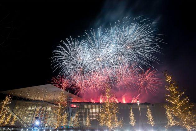 ΚΠΙΣΝ: Το σόου πυροτεχνημάτων και ο χορός των συντριβανιών για το 2021 σε ένα