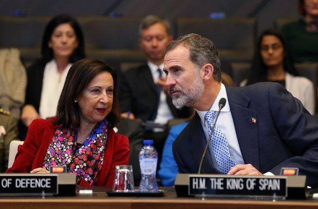 Margarita Robles y Felipe VI, en una imagen de