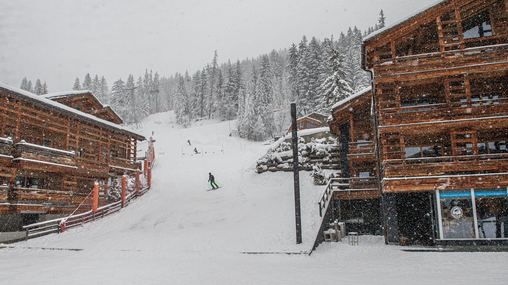 Dans le Doubs, 48 vacanciers revenant de Suisse placés à l'isolement