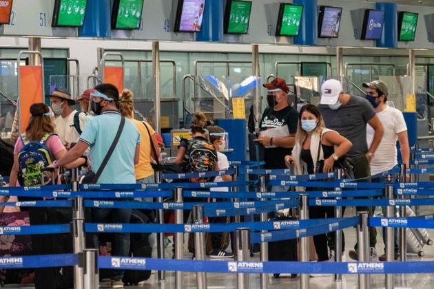 Η μετάλλαξη του κορονοϊού έφτασε και στην Ελλάδα - Εντοπίστηκαν 4
