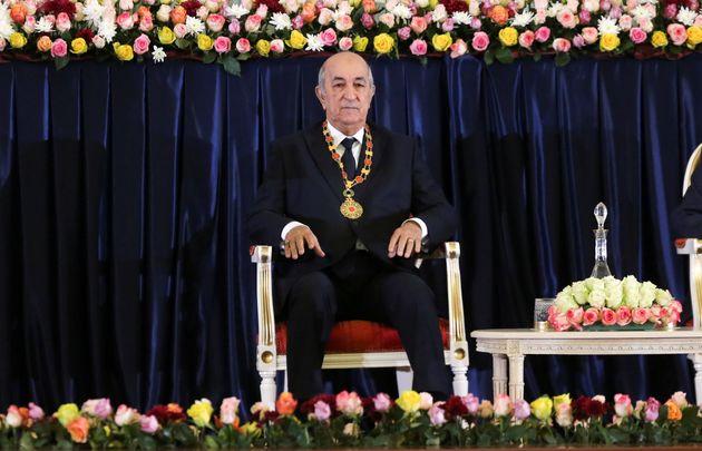 Pour avoir publié des mèmes se moquant du président algérien Abdelmadjid...