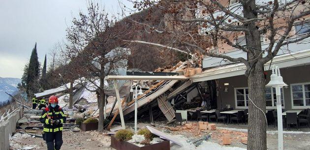 Frana su albergo a Bolzano, era chiuso per