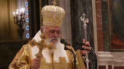 Ιερή αναδίπλωση: Εκκληση Ιερώνυμου στους Μητροπολίτες να τηρήσουν τα μέτρα της