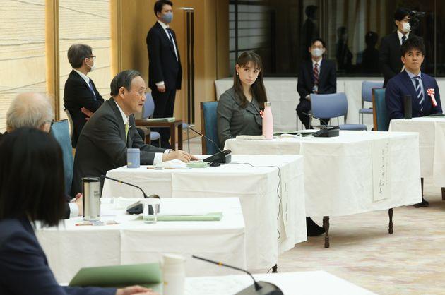 「2050年カーボンニュートラル・全国フォーラム」で発言する菅義偉首相=2020年12月17日、首相官邸