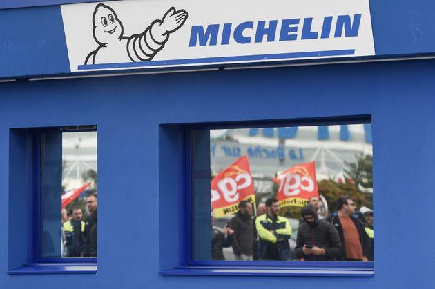 Michelin s'est engagé à recréer autant d'emplois qu'il y en aura de supprimés, vantant le modèle social...