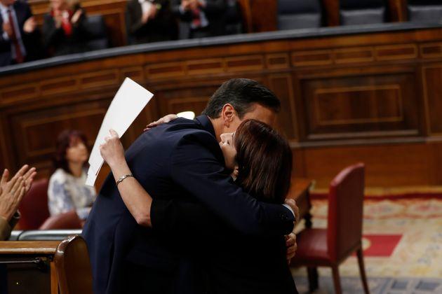 Pedro Sánchez y Adriana Lastra en el debate de