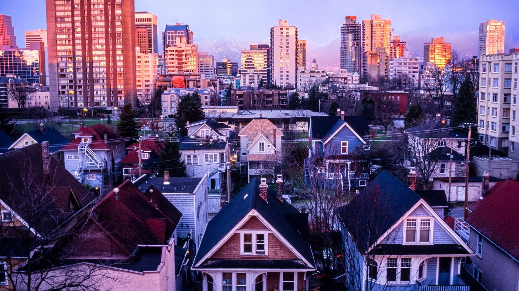 Canadian Cities Set All-Time Records In Holiday House-Shopping Frenzy