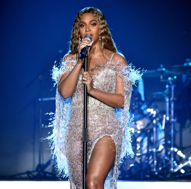 Grammy: Αναβάλλεται η τελετή απονομής λόγω της έξαρσης κρουσμάτων στην