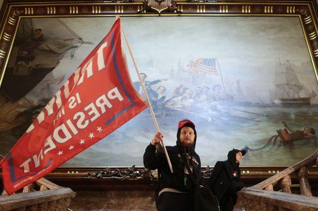Manifestantes pro Trump irrumpen en el
