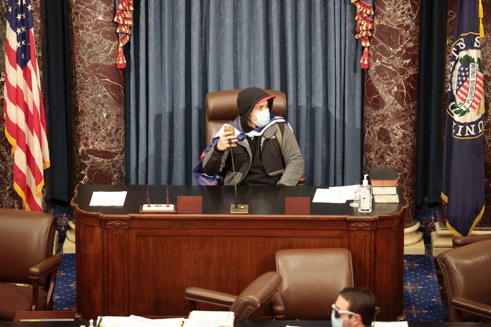 Capitole: les photos surréalistes des supporters de