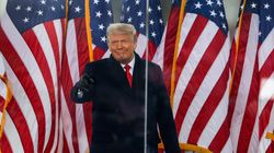 Twitter et Facebook bloquent Trump pour quelques