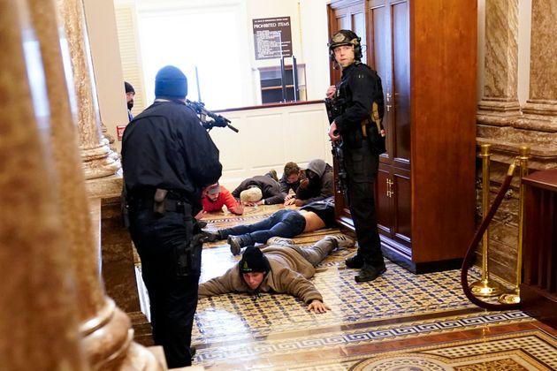 ΗΠΑ: Τέσσερις νεκροί, δεκάδες συλληφθέντες - Σε κατάσταση έκτακτης ανάγκης η
