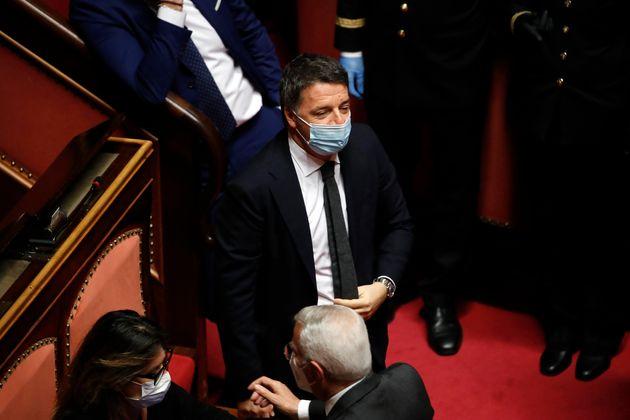 Se l'uomo meno popolare (Renzi) allerta i politici