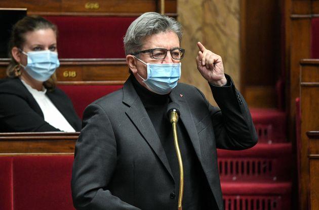 Le leader de la France insoumise Jean-Luc Mélenchon photographié à l'Assemblée...