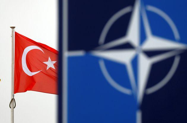 Ο Υπουργός Εξωτερικών των Η.Π.Α. δείχνει τον δρόμο εκτός ΝΑΤΟ στην