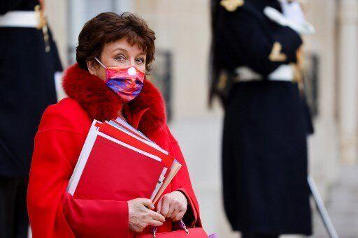 Pour tenter de redonner vie au secteur de la culture à l'arrêt, la ministre de la Culture Roselyne Bachlot...