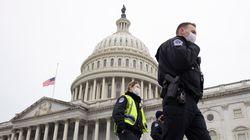 Violences au Capitole: des dizaines d'émeutiers