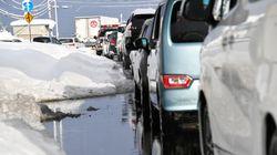 北陸道で1000台が立ち往生。福井・富山両県が自衛隊員が災害派遣要請