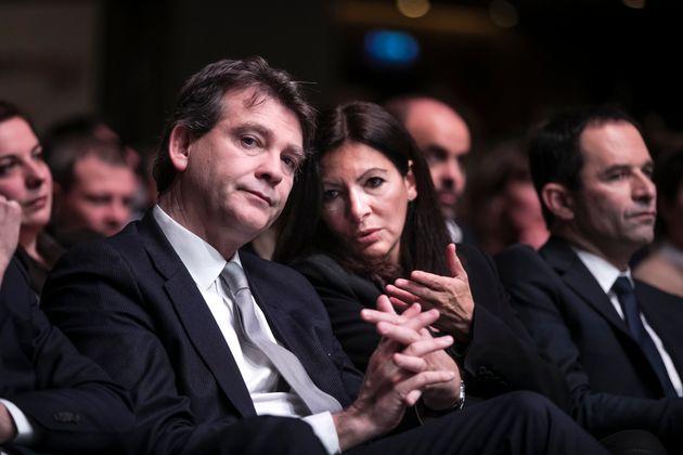 Arnaud Montebourg et Anne Hidalgo (photographiés lors de la cérémonie d'investiture...