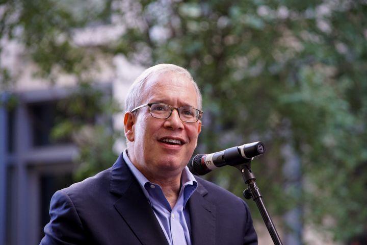 Scott Stringer, the New York City comptroller now running for mayor, embraced a full-fledged Green New Deal platform as more
