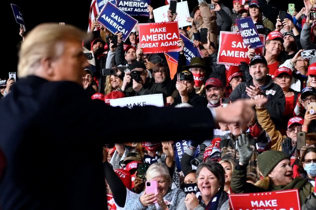 Donald Trump, durante un mitin en Georgia (EEUU) el 5 de diciembre de