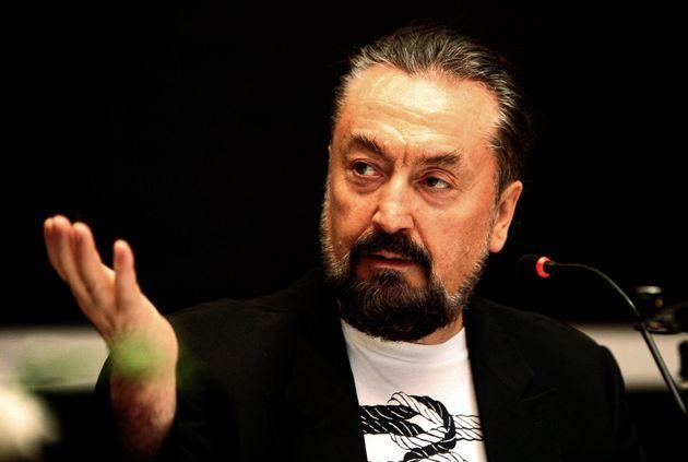 2021년 1월 11일 터키 법원은 논란이 된 이슬람 텔레비전 전도사이자 컬트 지도자에게 종신형을