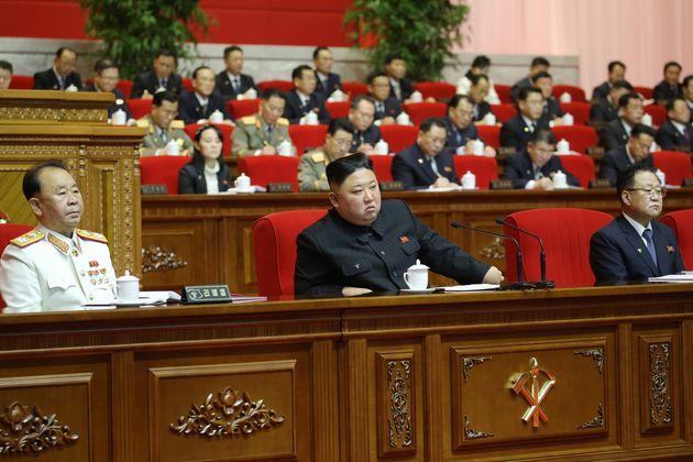 북한은 지난 5일부터 지금까지 진행 중인 제8차 노동당 당대회를 곧 마무리하고 열병식을 개최할 것으로