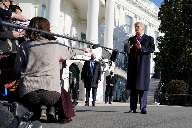 Τραμπ: «Δεν θέλω βία, εντελώς γελοία η διαδικασία της παραπομπής