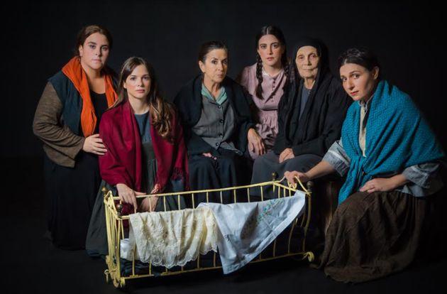 «Γυναίκες τουΠαπαδιαμάντη»: Η παράσταση του Πέτρου Ζούλια online