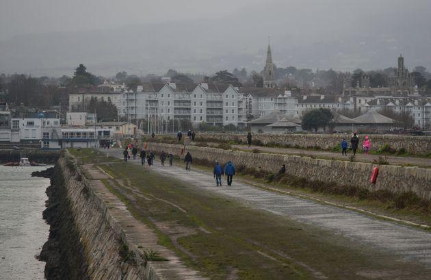 Η Ιρλανδία έχει το υψηλότερο ποσοστό αύξησης κρουσμάτων στον κόσμο - Τι πήγε
