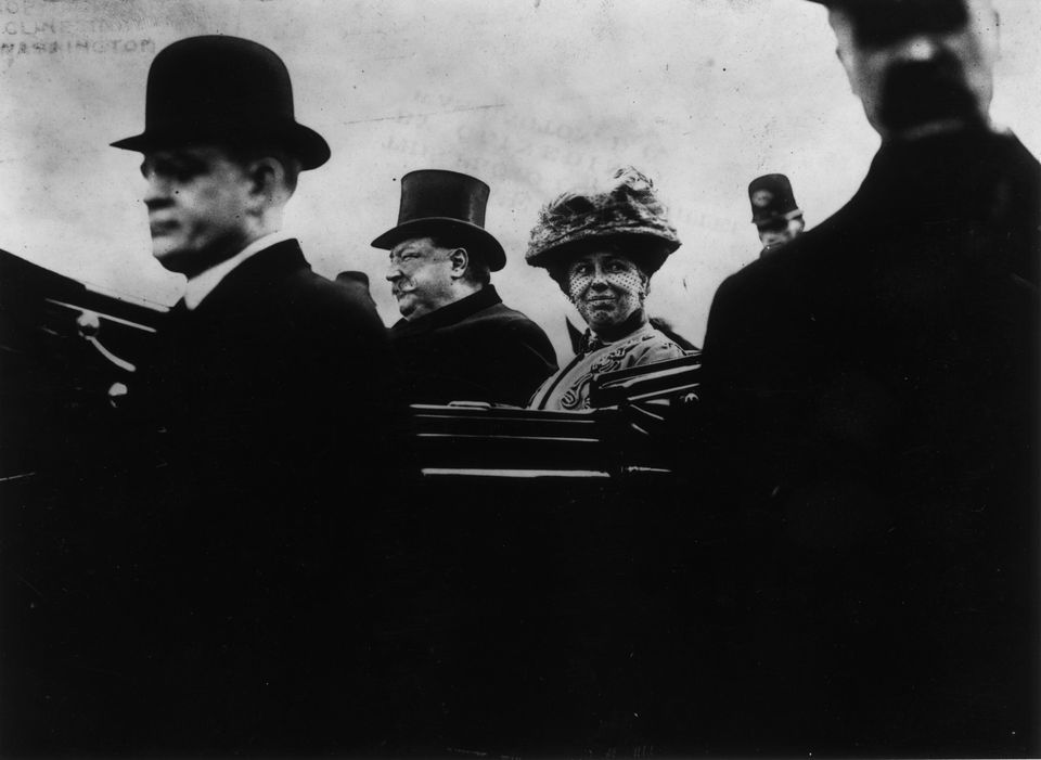 Helen Herron Taft accompanies husbandWilliam Howard Taft on the ride to his inauguration in 1909.
