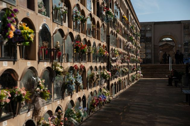 A cemetery in Barcelona, adorned by the festival of Todos los