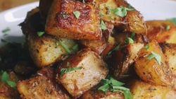 El truco viral para hacer patatas crujientes al