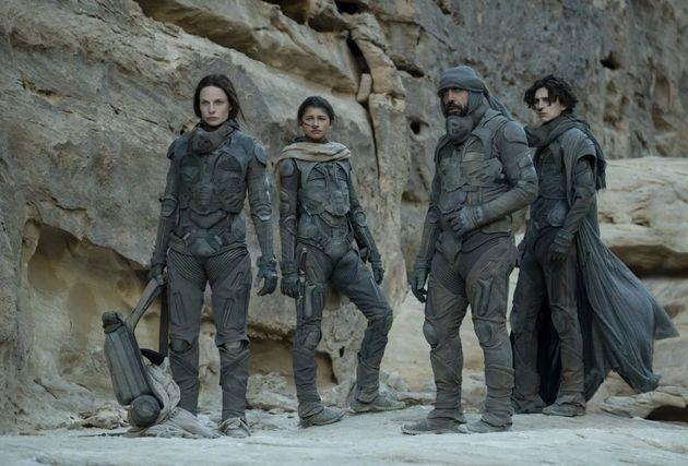 Les acteurs (de gauche à droite) Rebecca Ferguson, Zendaya, Javier Bardem et Timothée Chalamet,...