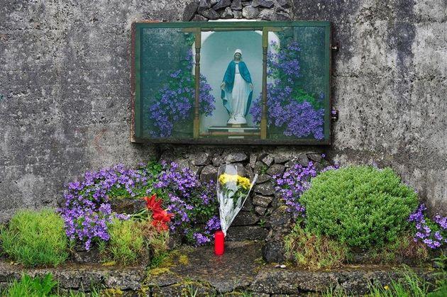 Fotografía de archivo del 6 de junio de 2014 que muestra un homenaje a las víctimas en...