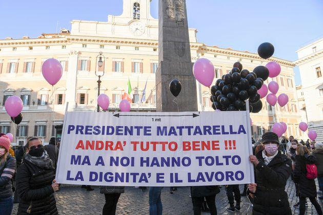 Un momento della manifestazione delle operatrici del settore del gioco legale a Montecitorio, Roma 12...